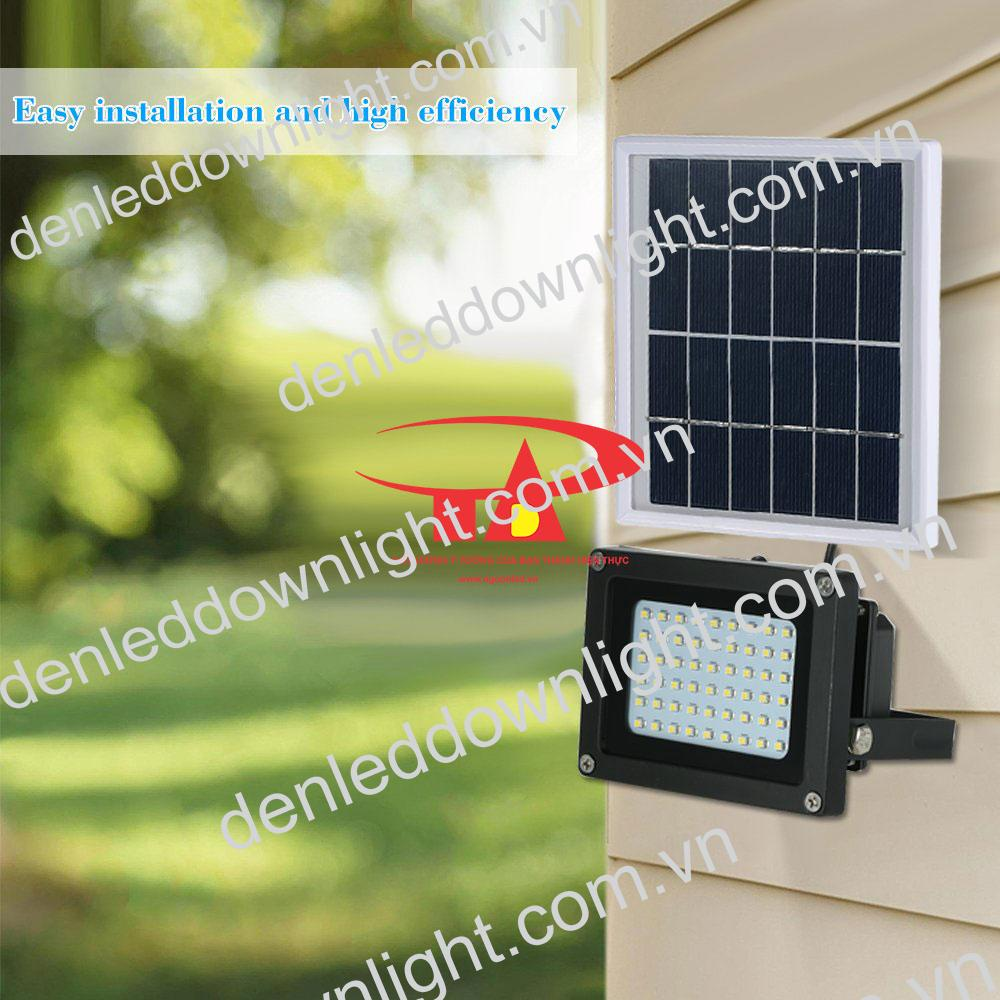 đèn pha năng lượng mặt trời 120 LED chiếu sáng trường học